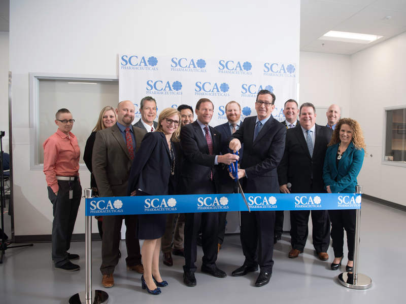 Gold Coast light rail stage two trams feature an exterior paint scheme of blue and gold colours. Credit: David Ansen.