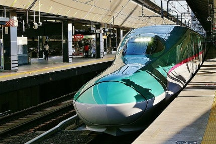E5 Series Shinkansen Hayabusa trains