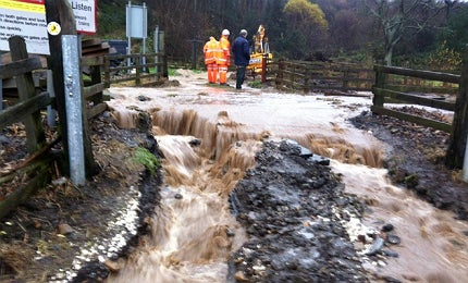 Cancelled_trains_flooding