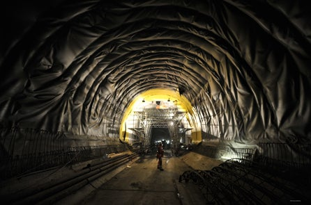ceneri base tunnel system