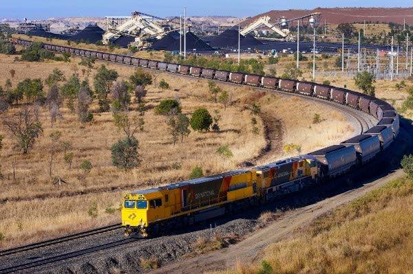 QR National coal train